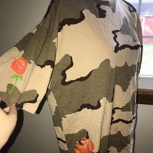 BDG Men's XL Camo and Orange Rose Shirt